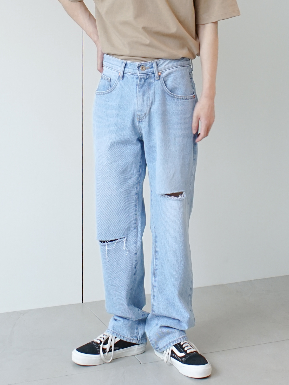 Hart Damaged Semi Wide Jeans