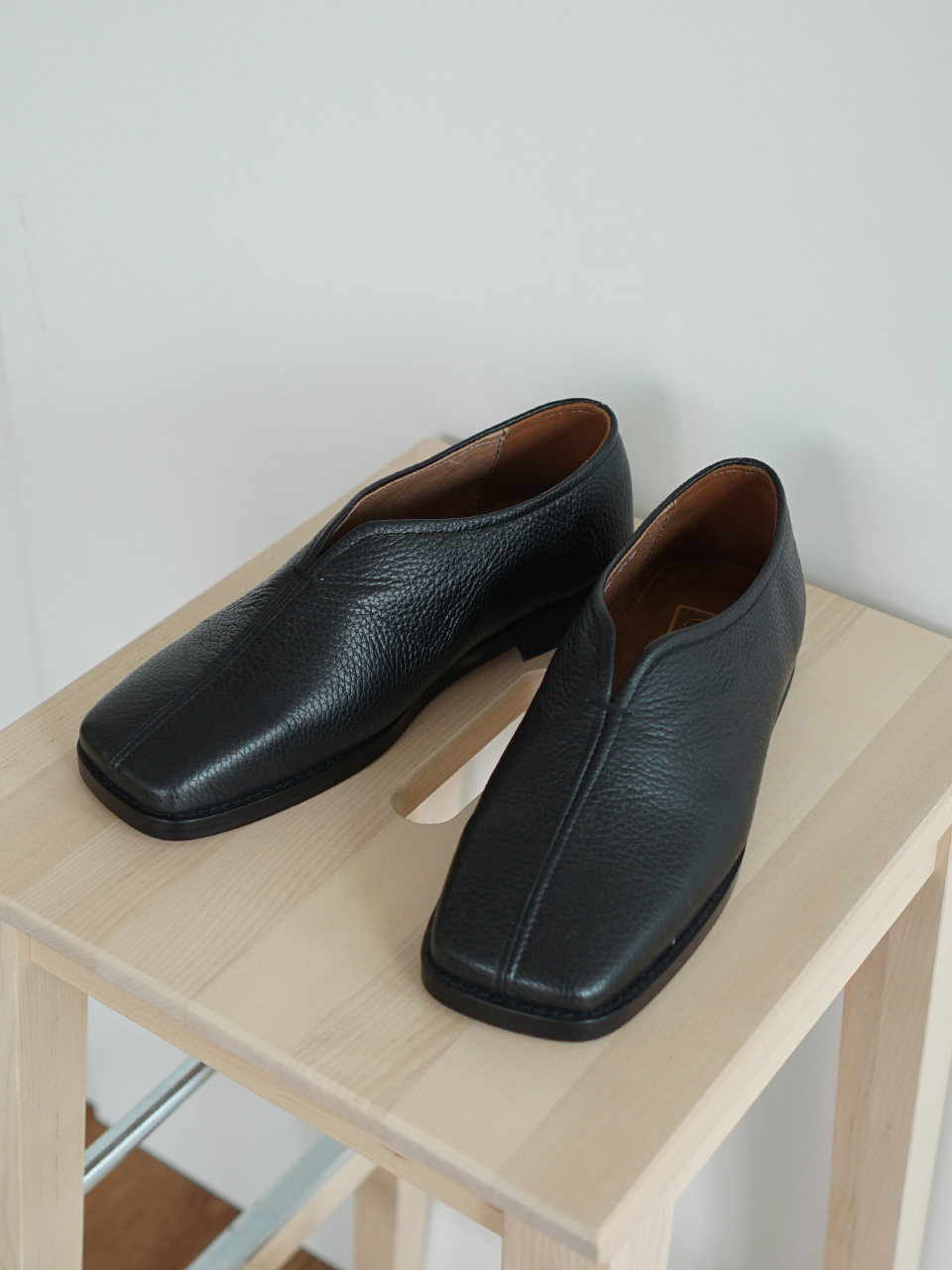 Chinese Leather Loafer