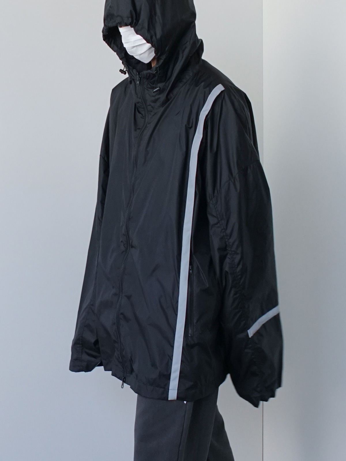 Month 3M Reflect Windbreaker (2color)