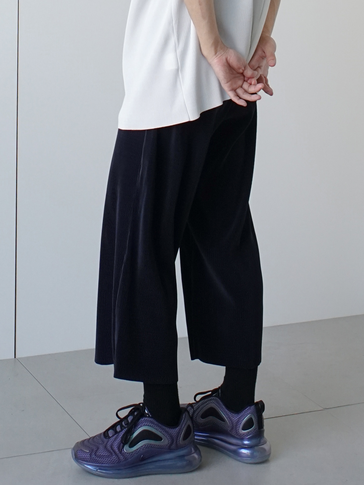 Common Pleats Wide Crop Pants (4color)