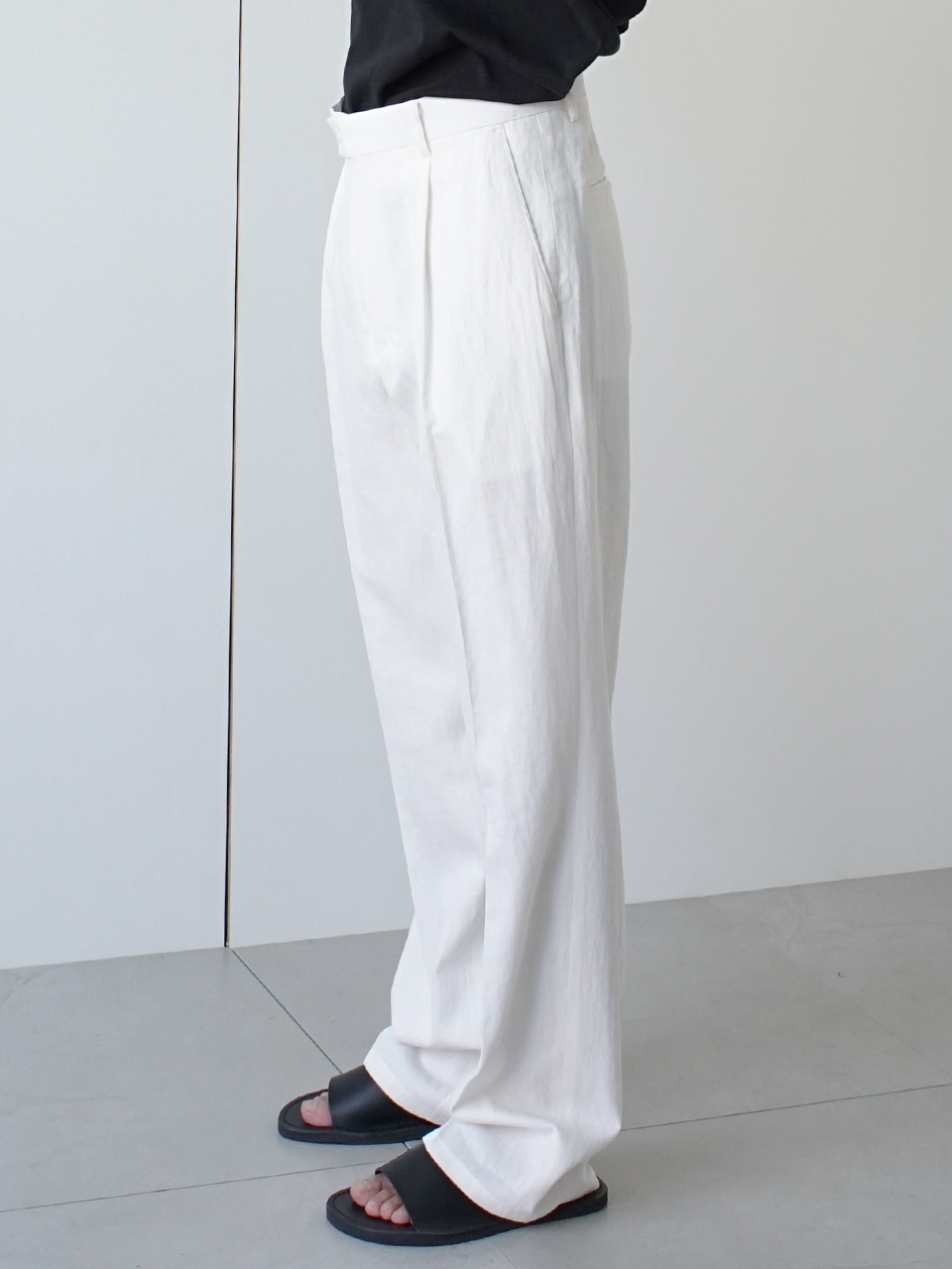 Creep Straight Linen Trousers