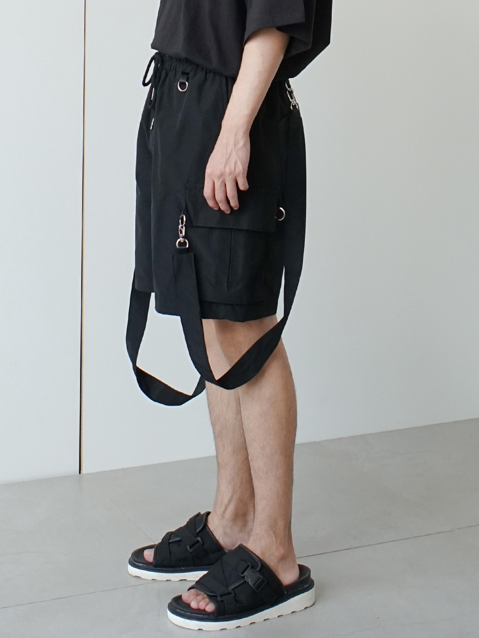 Ringa Strap Cargo Shorts (2color)