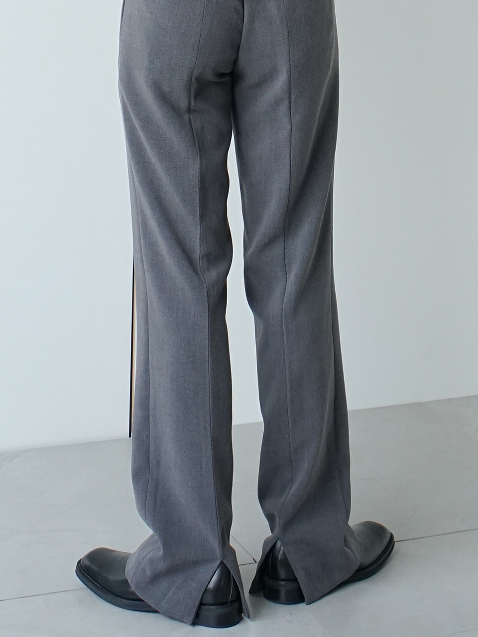 Post Back Vent Trousers (3color)