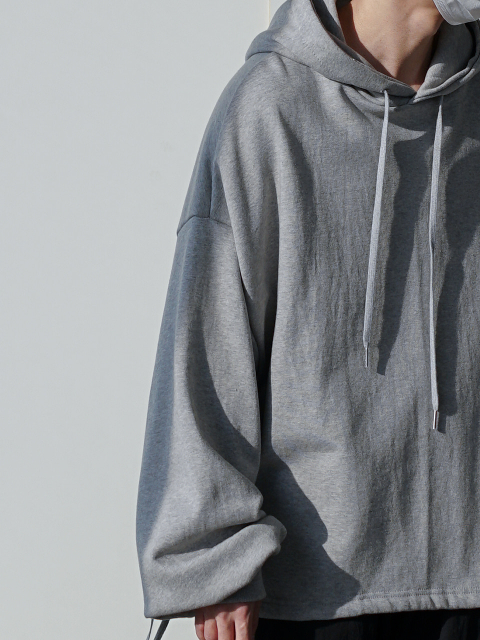 Edge Cropped Balloon Hoodie (2color)