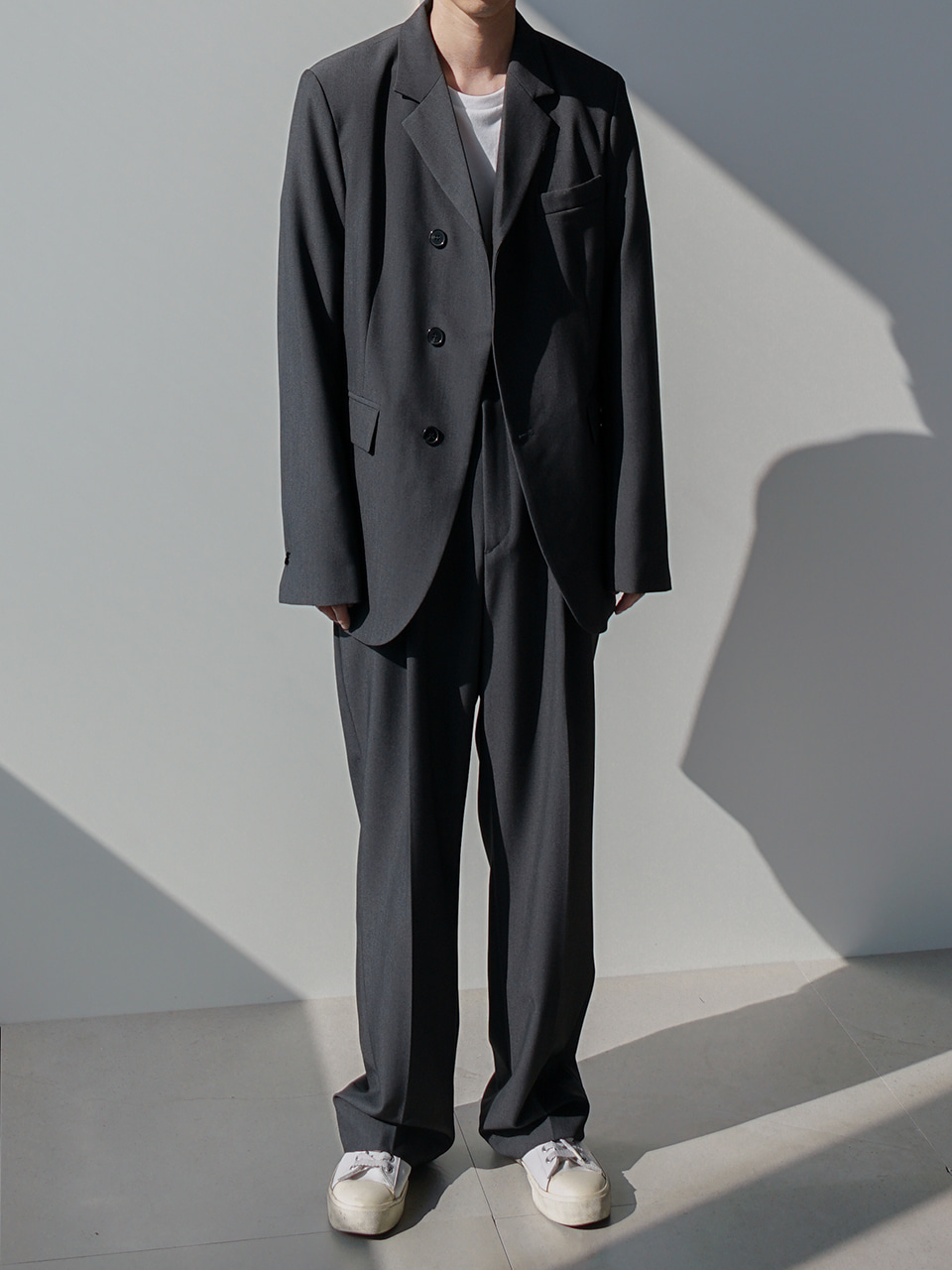 Low Unbalanced Suit Gray