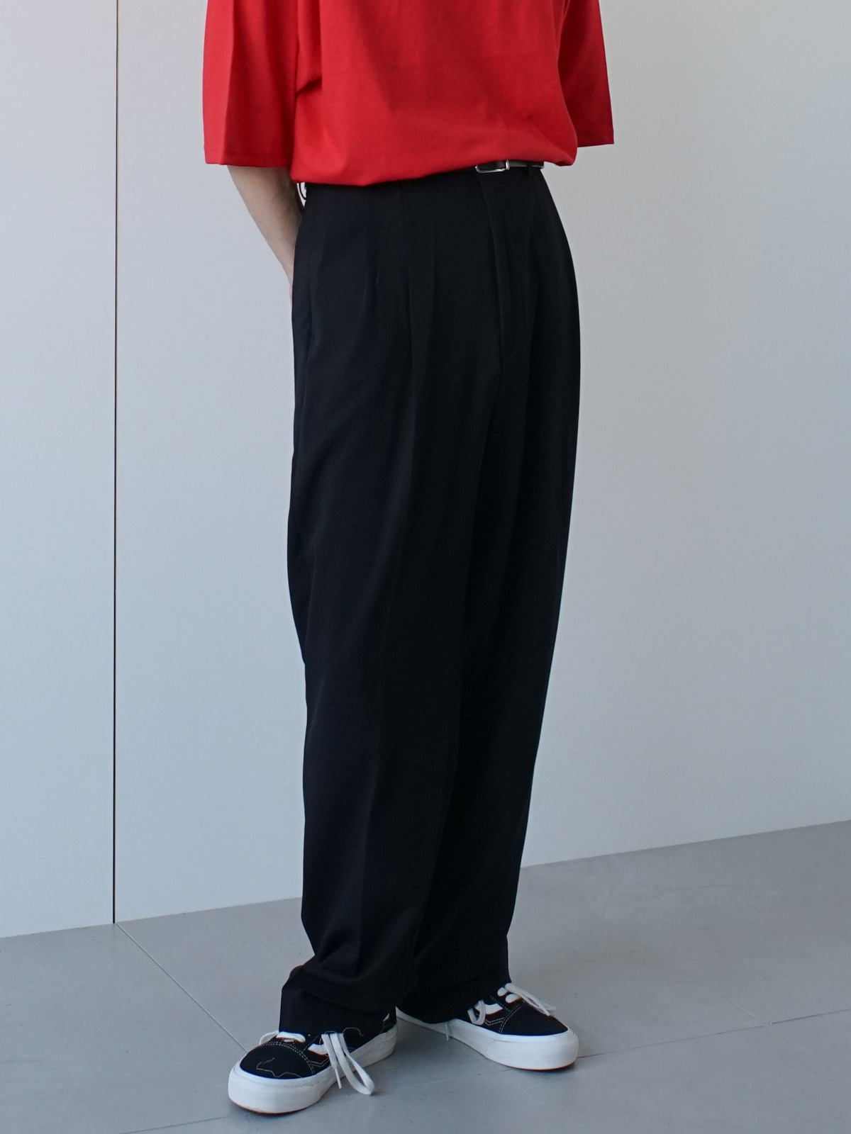 Space ADJ Two Tuck Semi Wide Trousers (2color)