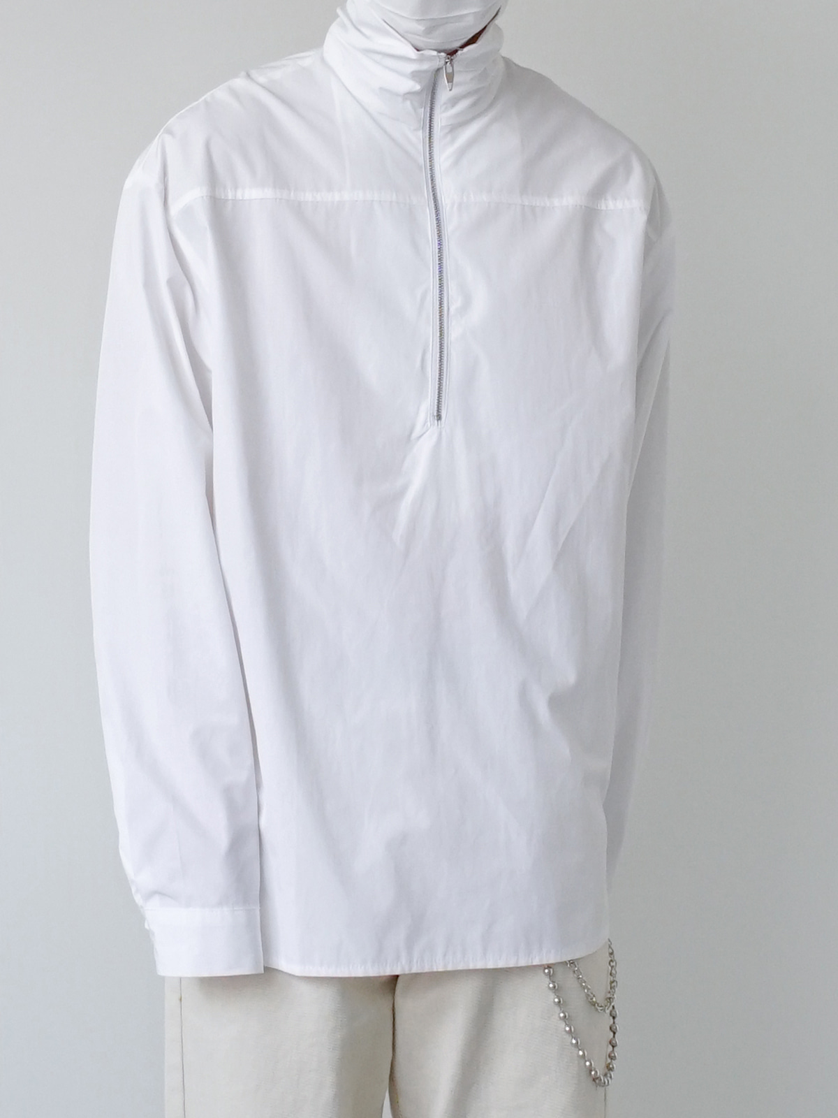 Maybe Hi Neck Zip Shirt (2color)