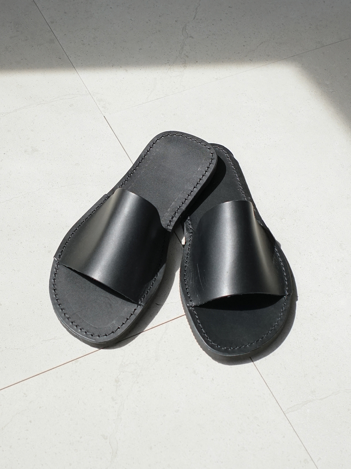 Cover Basic Sandals Black