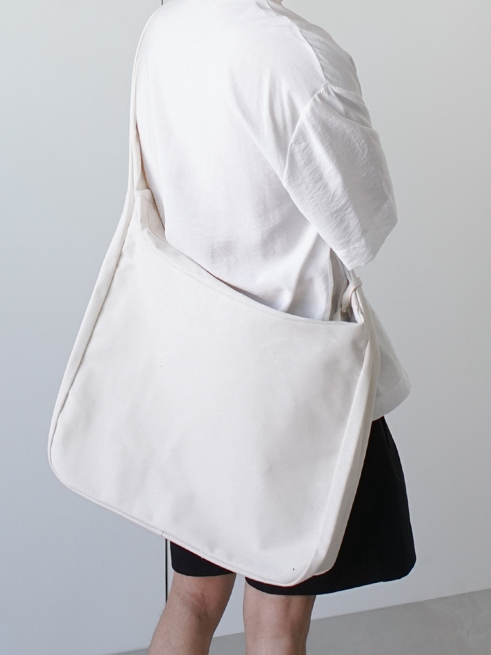 Plan Sack Cross Bag Ivory