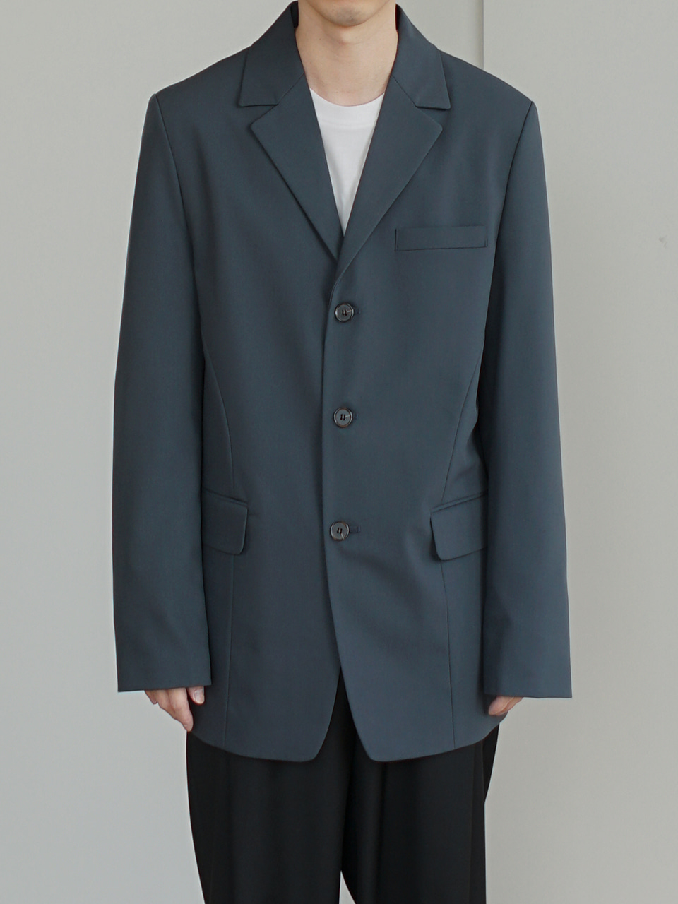 Loyd Three Button Blazer (2color)