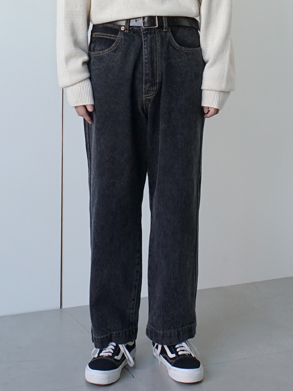 Klint Cropped Denim Pants Black